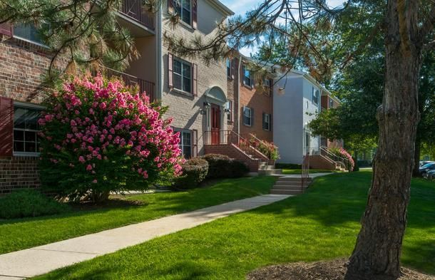 The Parliaments Apartments has all you could want in an apartment community. Convenient to I-395 and I-495, leaving you minutes from downtown Washington, DC, and other historical sites such as Old Towne Alexandria. We offer spacious efficiency, one, two, and three-bedroom apartments, with lots of closet space. We also offer one and two-bedrooms with dens. Our rents include all utilities. Pet-friendly community. Call for more details: 703-872-7566 http://bit.ly/1RU3EHy