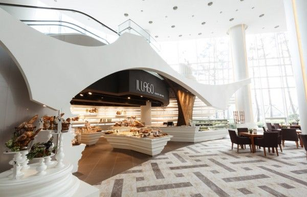 Il lago bakery and wine shop is the central element to this hotel lobby kiosquecontentemagasinintérieur de
