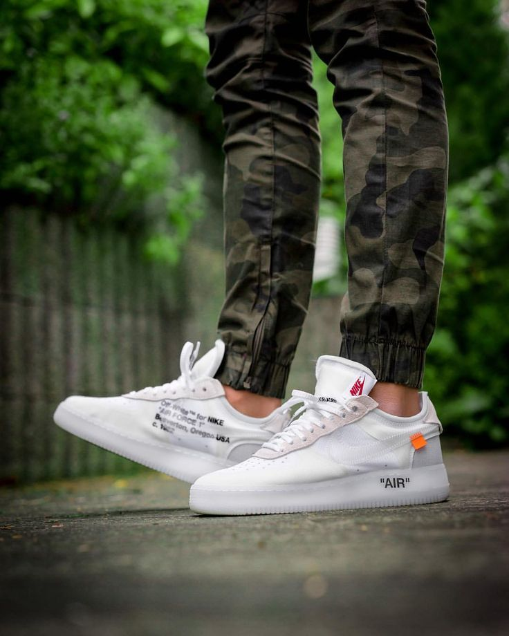 Off White X Nike Air Force 1 Hype And Expensive Sneaker Off White Schuhe Weisse Turnschuhe Turnschuhe
