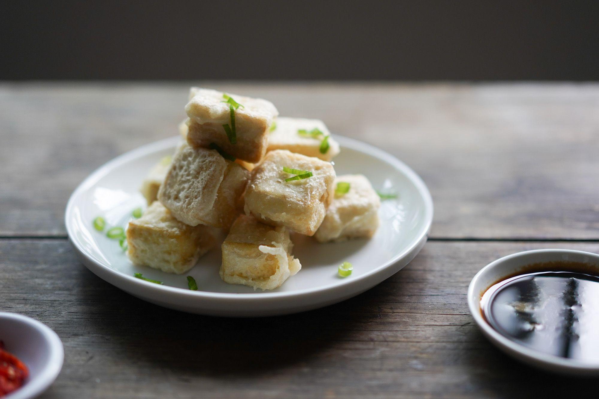 Crispy Fried Tofu Recipe - Hungry Huy #friedtofu