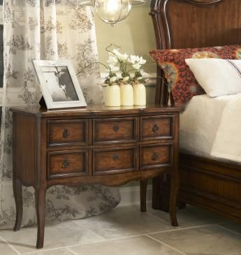 Leg Nightstand - Vintage Classics collection