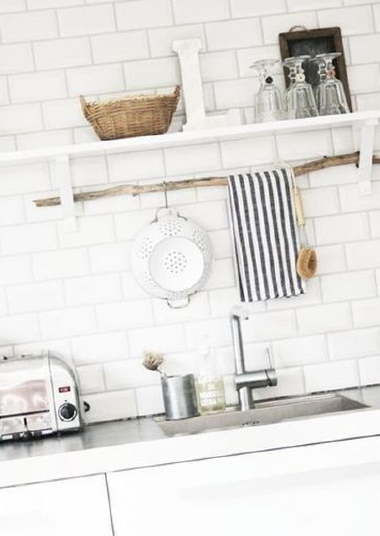 Coole Idee einen Ast zum Geschirrtücher dran aufzuhängen für die ...