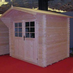 La casa da giardino in legno con doppia porta