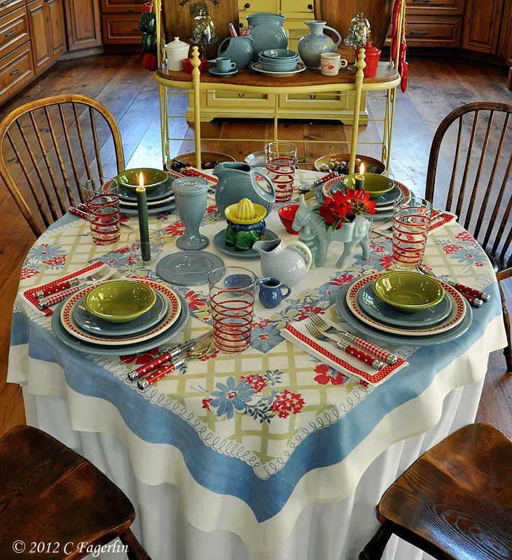 Kitchen Table Decor Ideas: Vintage Linens And Dishes