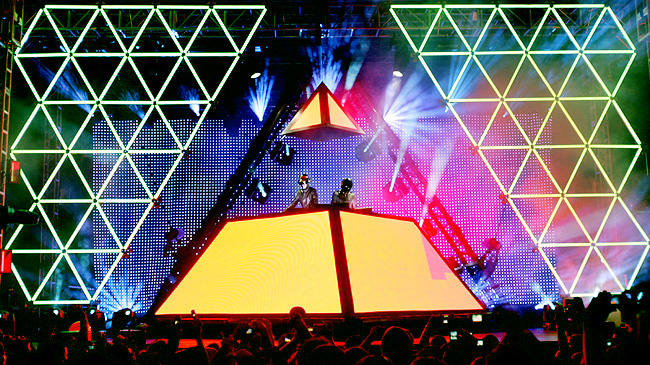 We'll never forget Daft Punk's Alive show. The Pyramid! | Daft ...