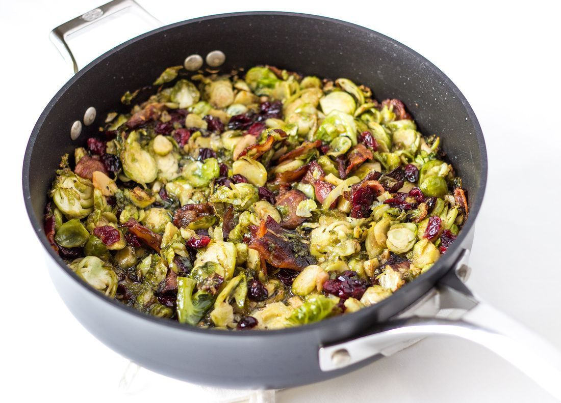 Pan-fried brussels sprouts with bacon and cranberries #smashedbrusselsprouts Pan-fried brussels sprouts with bacon and cranberries #smashedbrusselsprouts Pan-fried brussels sprouts with bacon and cranberries #smashedbrusselsprouts Pan-fried brussels sprouts with bacon and cranberries #smashedbrusselsprouts