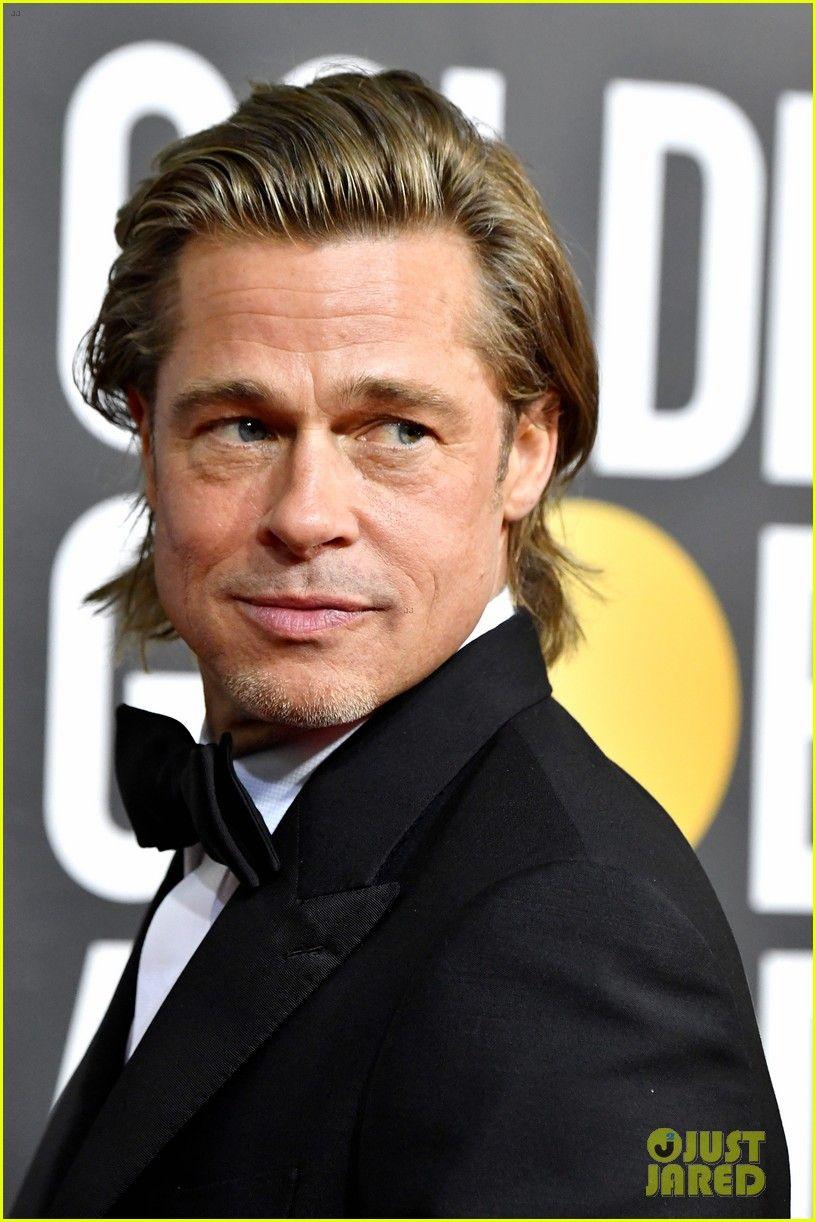 Brad Pitt Roasts Leonardo Dicaprio Over Titanic Raft During Golden Globes Speech Video Brad Pitt Wins At Golde Brad Pitt Brad Pitt Photos Brad Pitt Hair