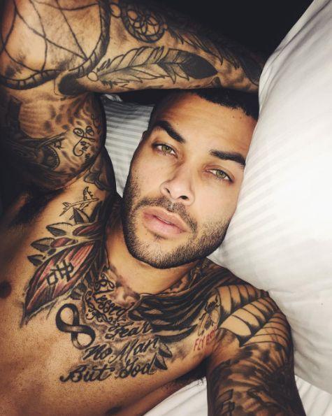 don benjamin a sleepy sexpot 21 tattooed men that prove skin is the best canvas b rte. Black Bedroom Furniture Sets. Home Design Ideas