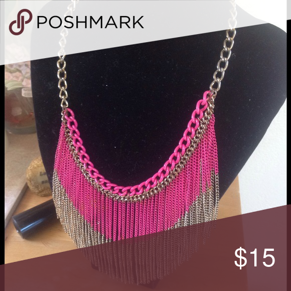 Gorgeous pink necklace Dangling pink & gold chains beautiful to wear Forever 21 Jewelry Necklaces