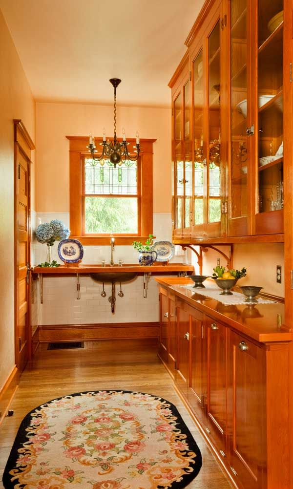 The Maid S Pantry Including Original Cabinets Has Been Restored Beautifully Farm Sinks With