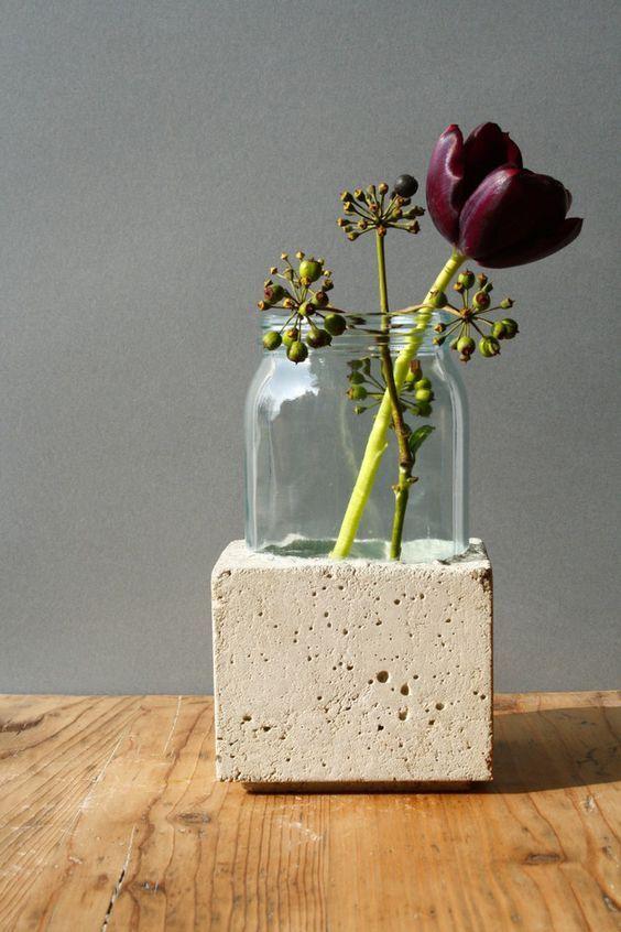 vase glas in beton ein designerst ck von betoengchen bei. Black Bedroom Furniture Sets. Home Design Ideas