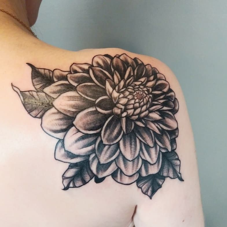 A Black Dahlia Flower From Yesterday Thank You Nickoledoestattoos Ladytattooers Tattoos By Axe Michiga Dahlia Tattoo Tattoos Floral Tattoo