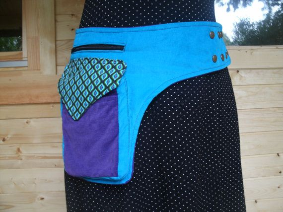 Bekijk dit items in mijn Etsy shop https://www.etsy.com/listing/226079903/one-sided-purpleblue-hip-bag-closed-with