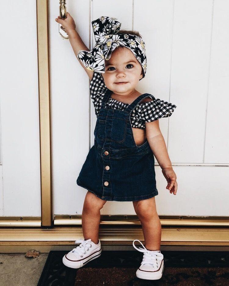 Outfits de tu bebé a los que le puedes añadir un t