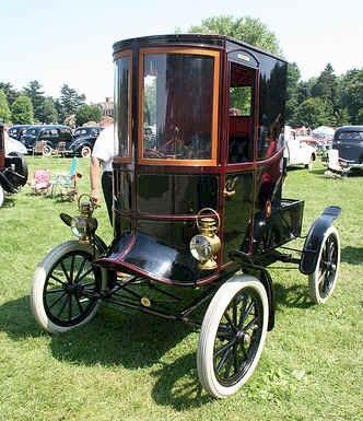 1903 Oldsmobile inclosed body Oldsmobile Automobile Co., Lansing, Mi 1897-2004