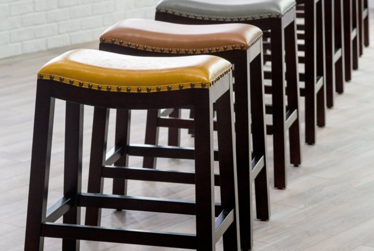The Bar Chairs Are The Ones Who Decorate The Decor And What Can Make Or Break A Gorgeous Countertop So That S Why We Though Bar Stools Leather Bar Stools Mid Century