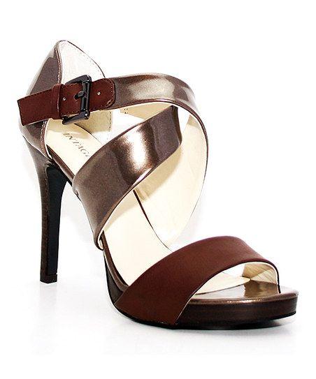 6e9454f163b4a Pin de Yaqui BG en Zapatos