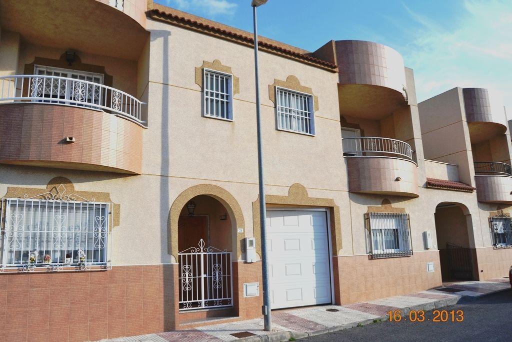 Dúplex en Aguadulce, zona centro-sur.http://goo.gl/IS1hcB