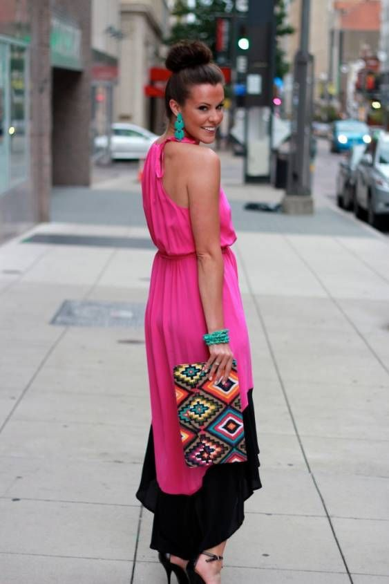 Love this color pink. Im more into maxi's now than ever. And of course the complementary (color wheel wise) colors really work. And the bag? Perfect!