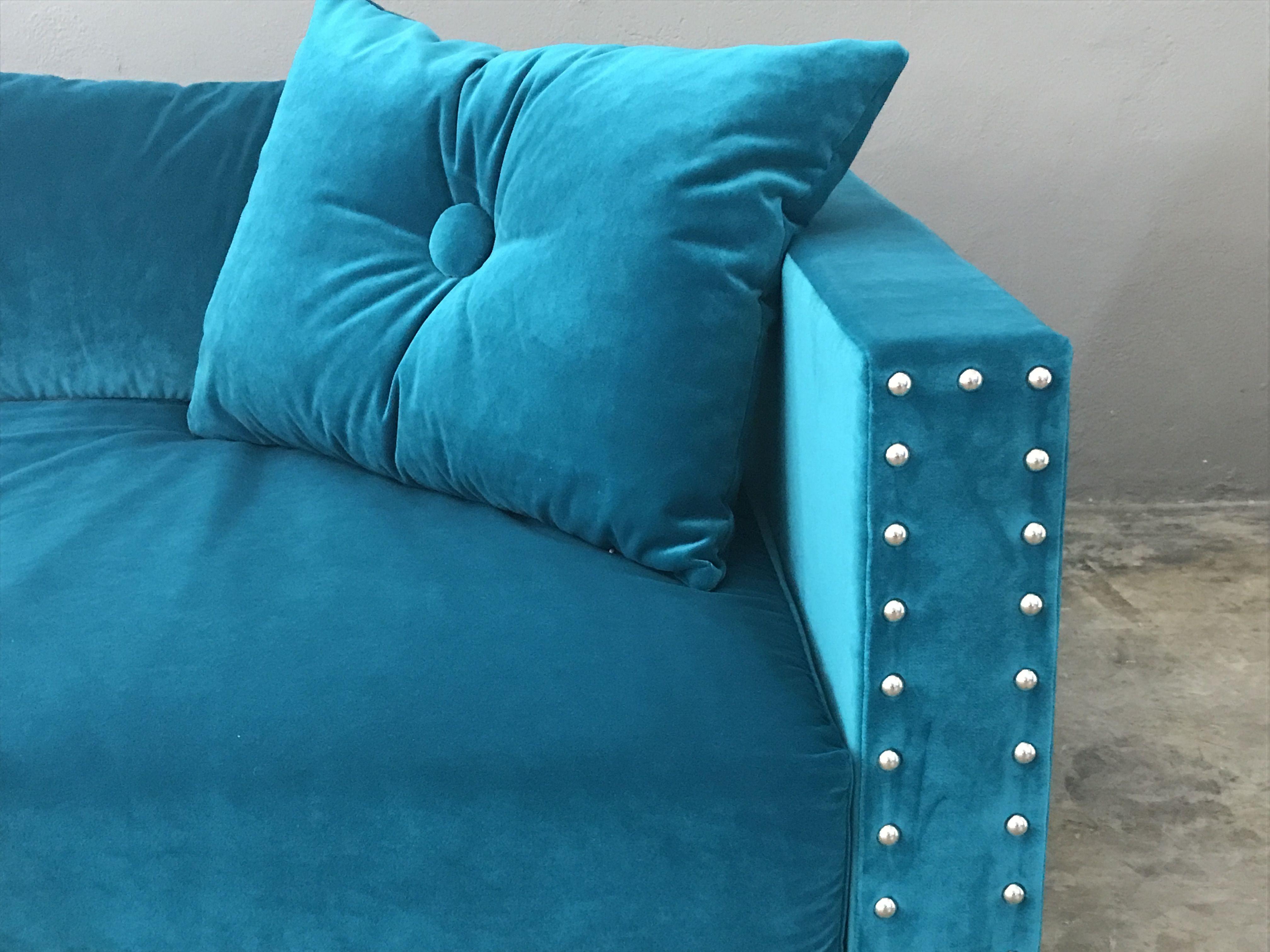 Canapé Nomade sur mesure velours bleu turquoise | Canapés sur ...