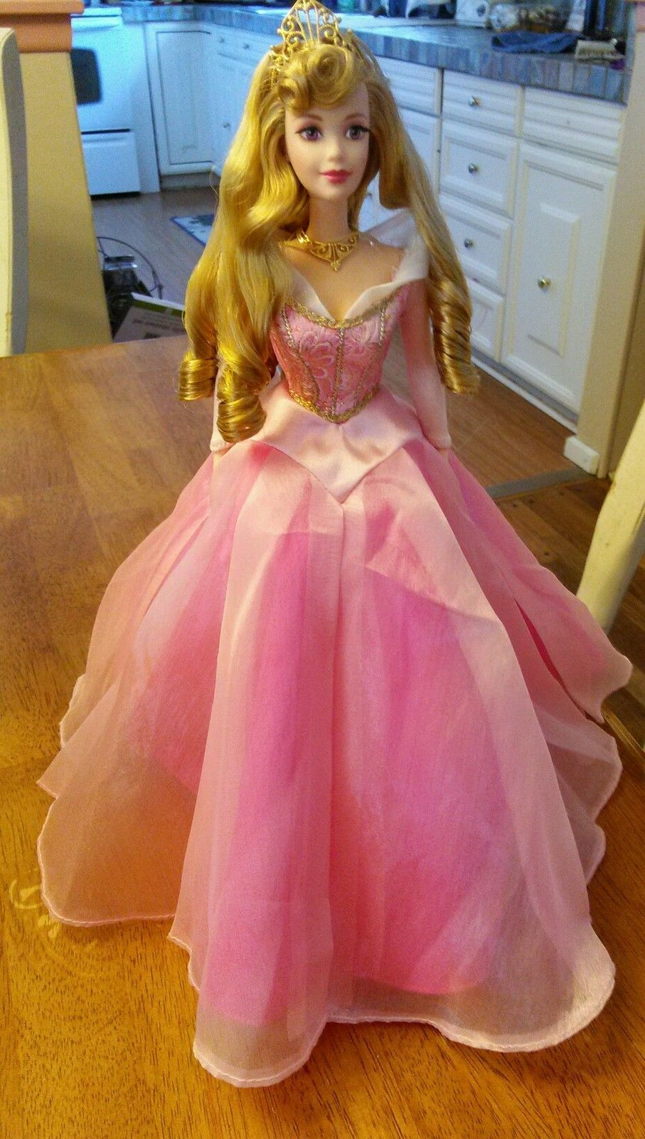 Signature Collection Disney Sleeping beauty barbie