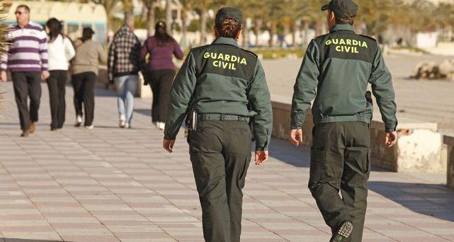 Una guardia civil de baja por depresión tras ser expedientada por comprarse un chaleco antibalas