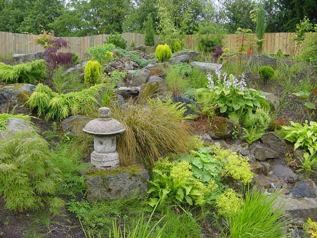 sloped-garden-ideas-172 | Garden terrace | Pinterest | Sloping ...