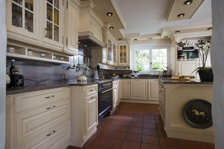 Klassische Küchen  Haus küchen, Landhausküche, Küche