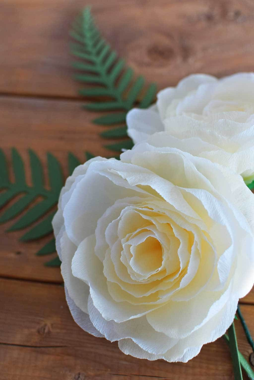 DIY-Crepe-Paper-Garden-Rose-close-up-#DIY-#wedding-#rose-#gardenrose-#paperflower-#centrepiece
