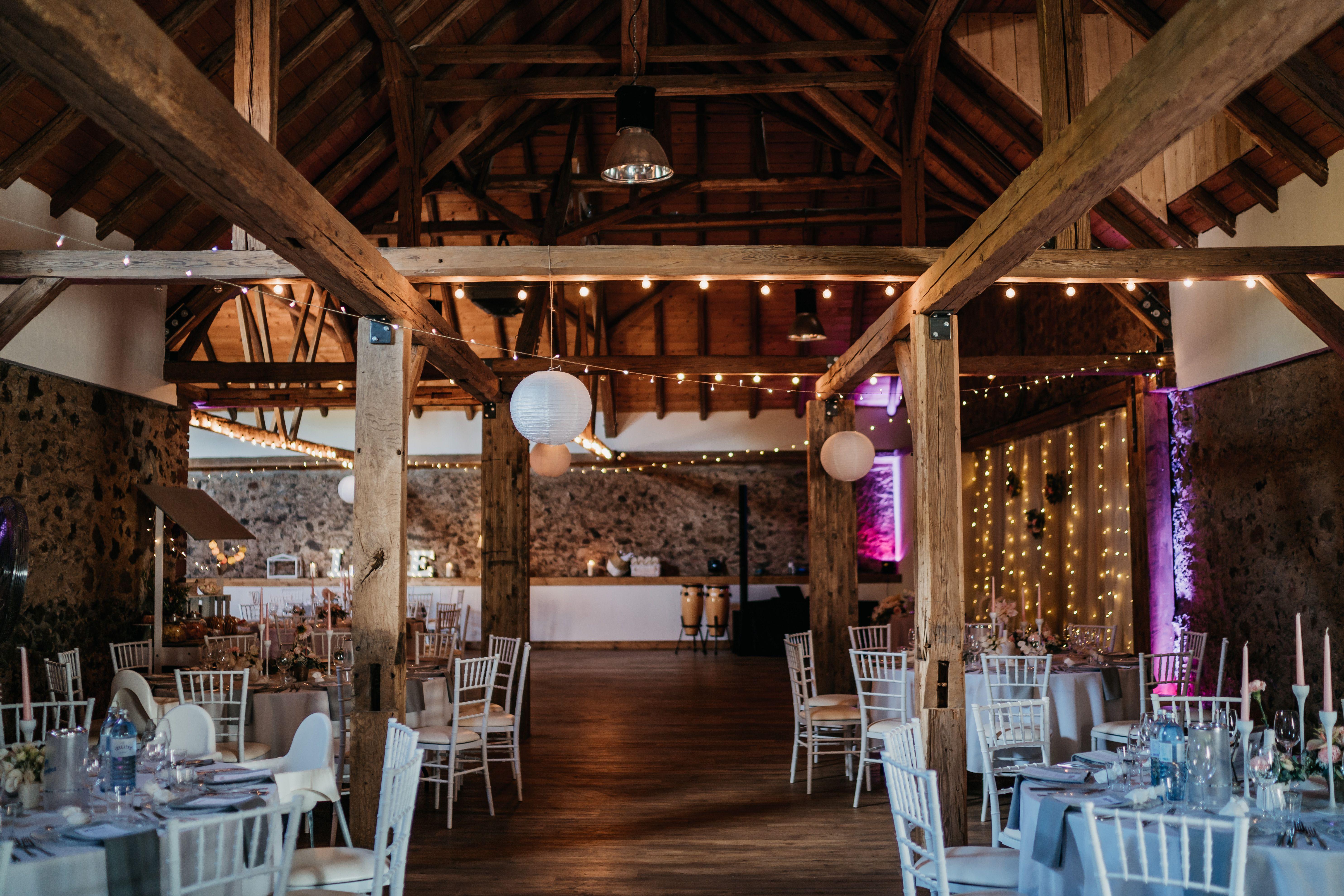 Scheunenhochzeit In Der Obermuhle Langenselbold Scheunen Hochzeit Haus Streichen Haussanierung