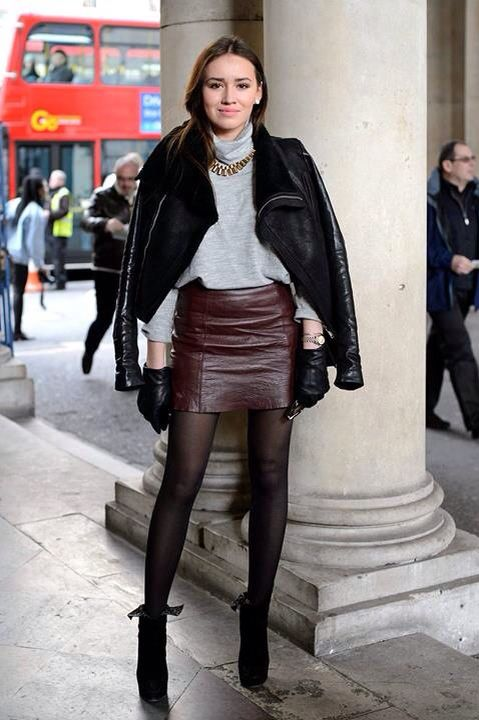 ceb7c3ef30 Burgundy leather skirt | outfit | Fashion, Skirts with boots ...