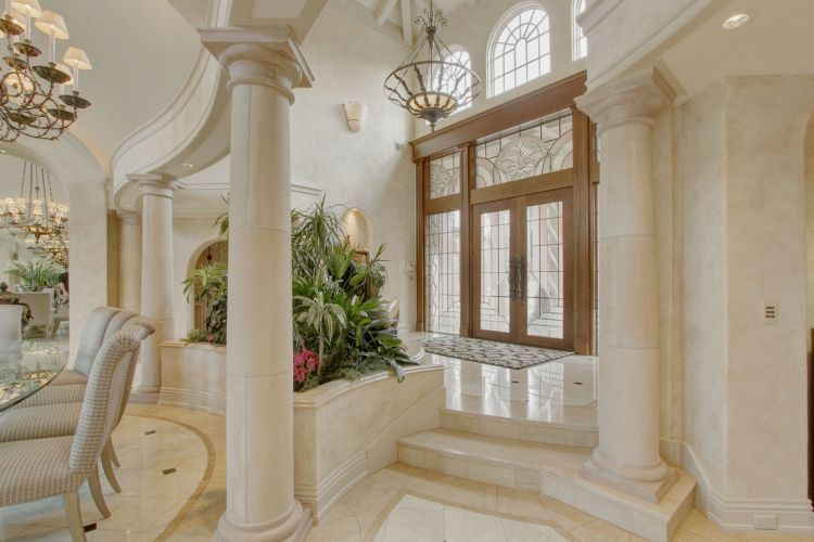 Luxury mansion interior foyer columns elegant residences for Mansion foyer designs