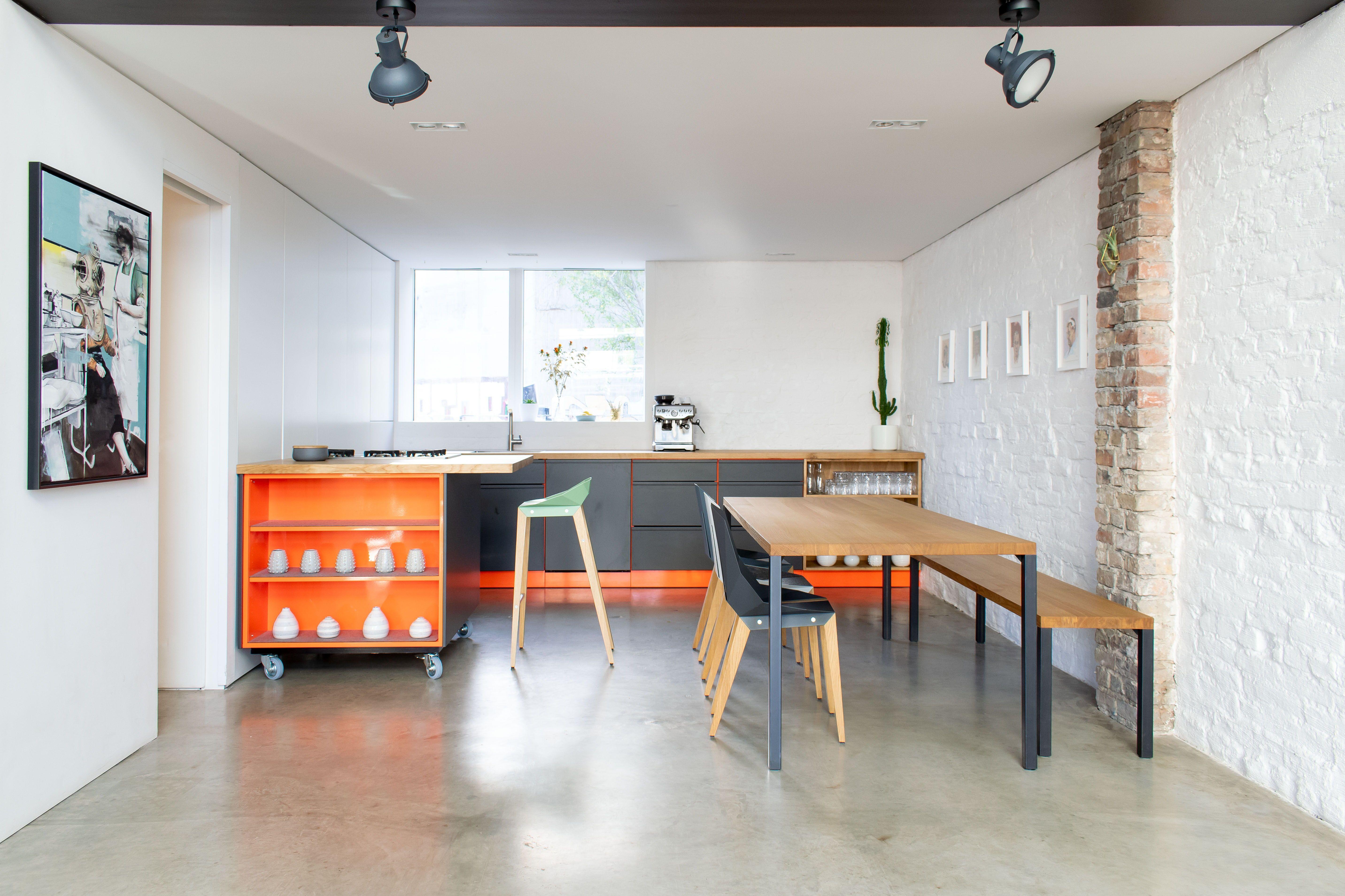 Showroom Eventlocation Zwospace Popstahl Kuche Kuchen Design Massivholztisch Design Tisch