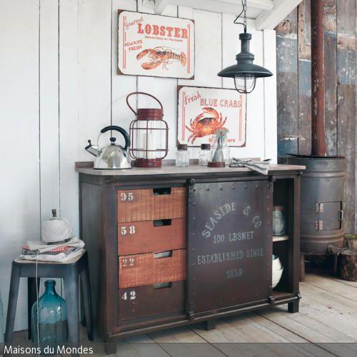 maritime wohnzimmergestaltung holz und metall industrie. Black Bedroom Furniture Sets. Home Design Ideas