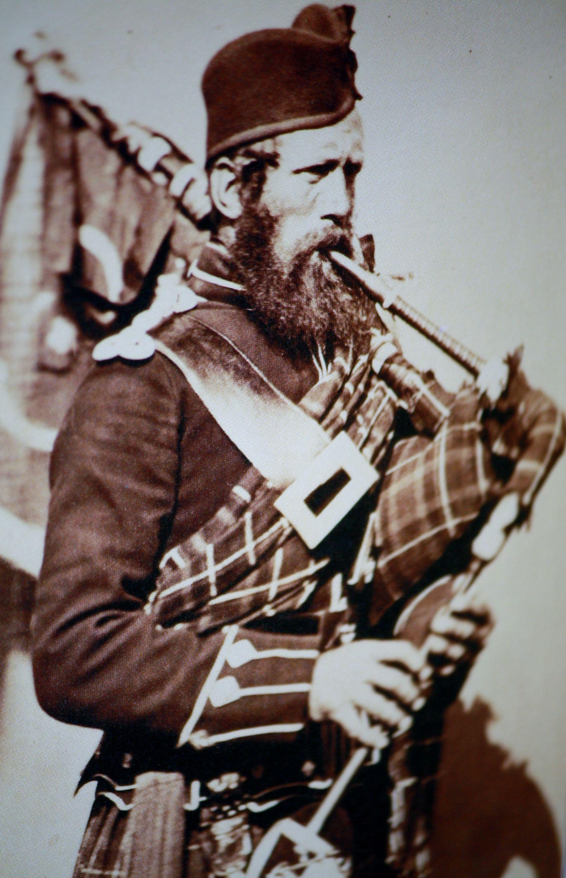 Pipe Major MacDonald - 72nd Regiment of Foot