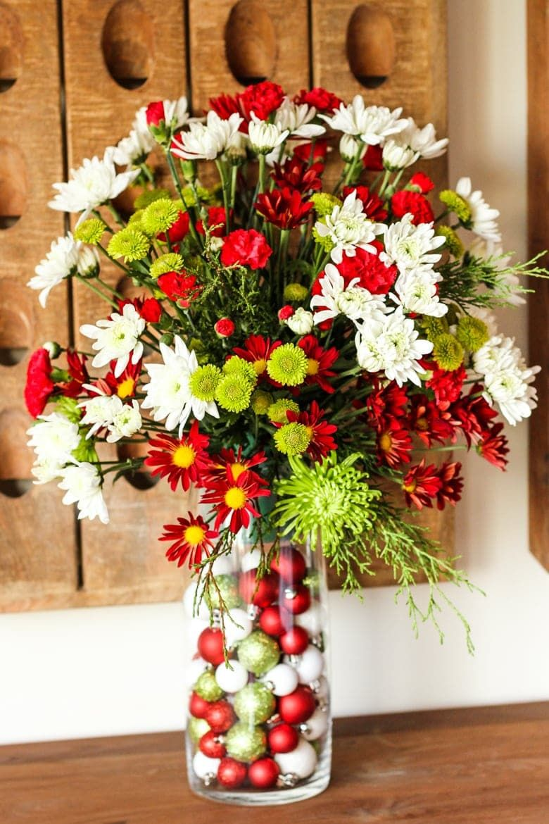 Easy Diy Flower Arrangement Creating A Custom Fl For Any Occasion Is With This Simple Step By Process Filling Vase