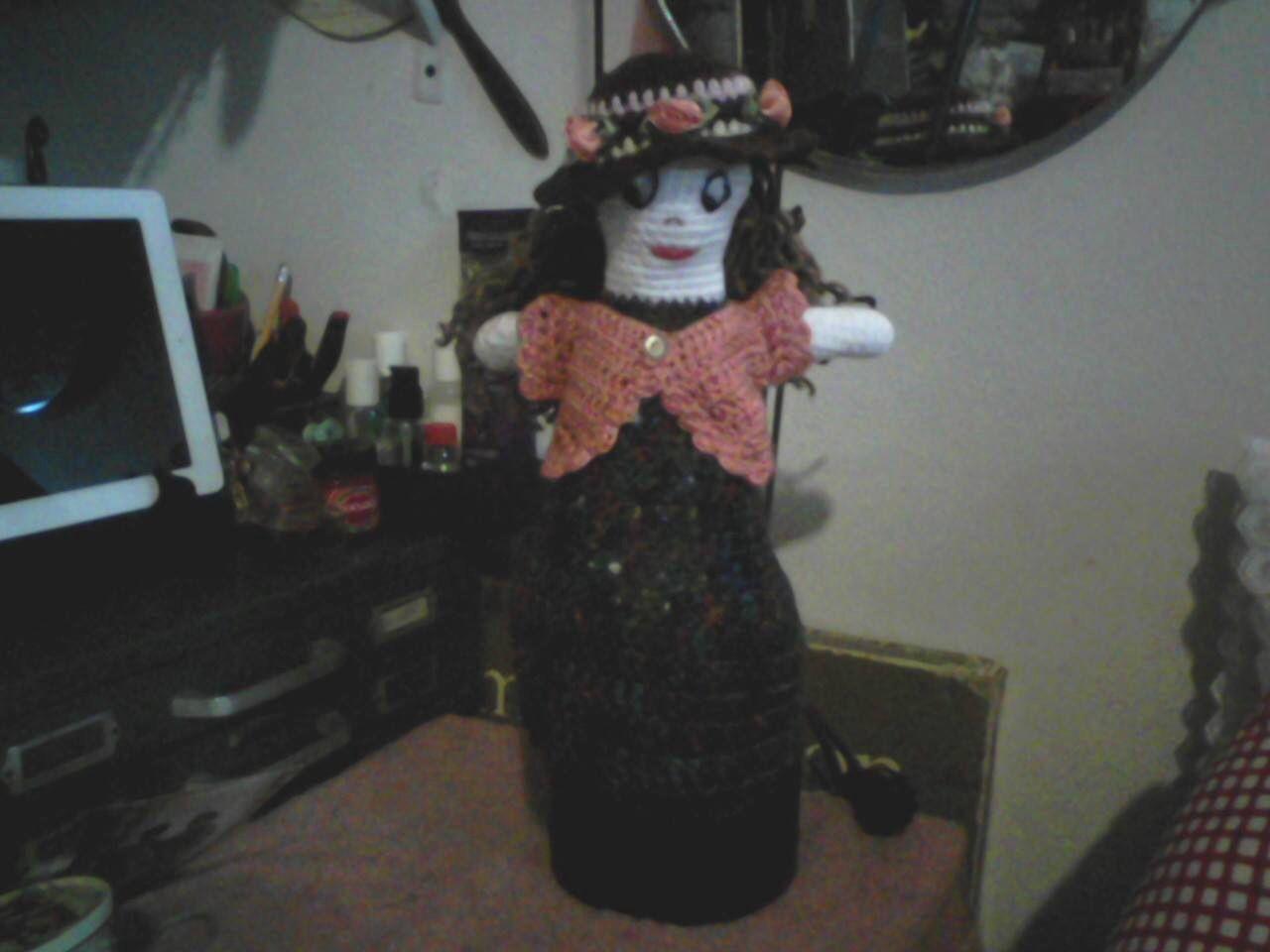 Muñeca crochet porta bolsas plásticas
