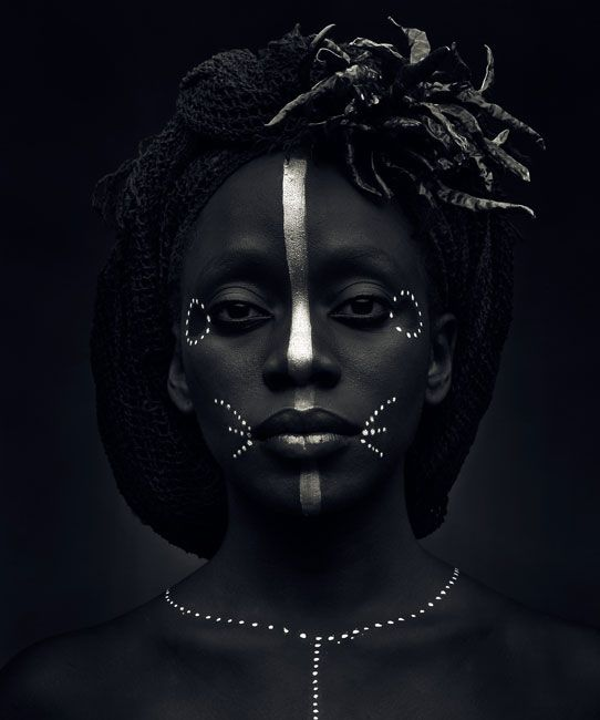 Black and white woman portrait - face of a African woman ...