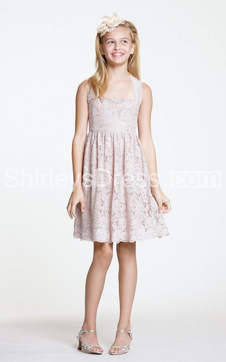 Exquisite sleeveless short lace dress with pleats the perfect