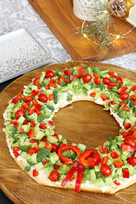 Vegetable Pizza Christmas Wreath Appetizer