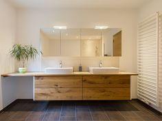 badezimmerm bel modernes lebendiges badezimmerm bel unterbau aus geschroppter. Black Bedroom Furniture Sets. Home Design Ideas