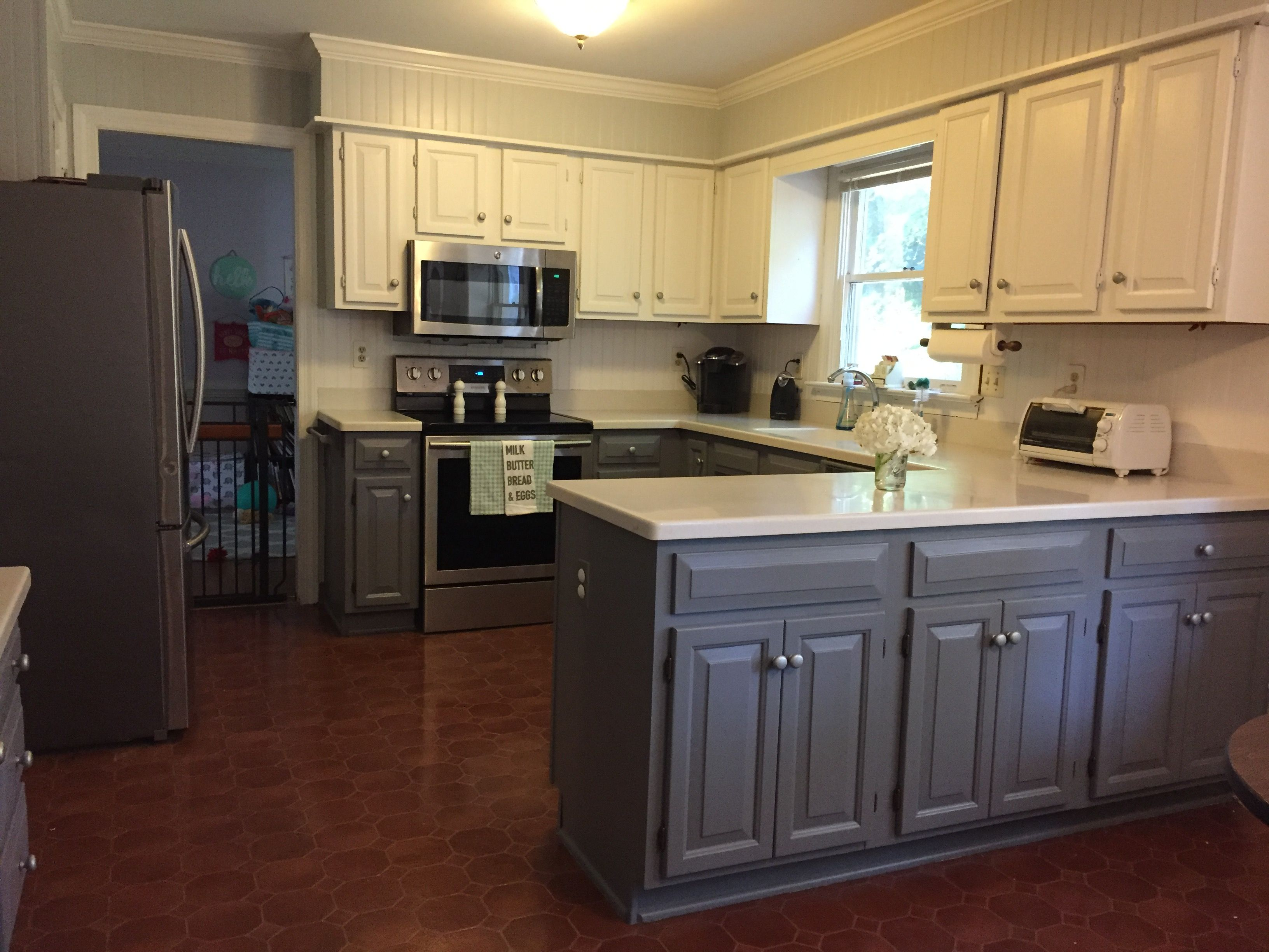 Best Dual Tone Cabinets Tuxedo Cabinets Diy Kitchen Upgrade 400 x 300