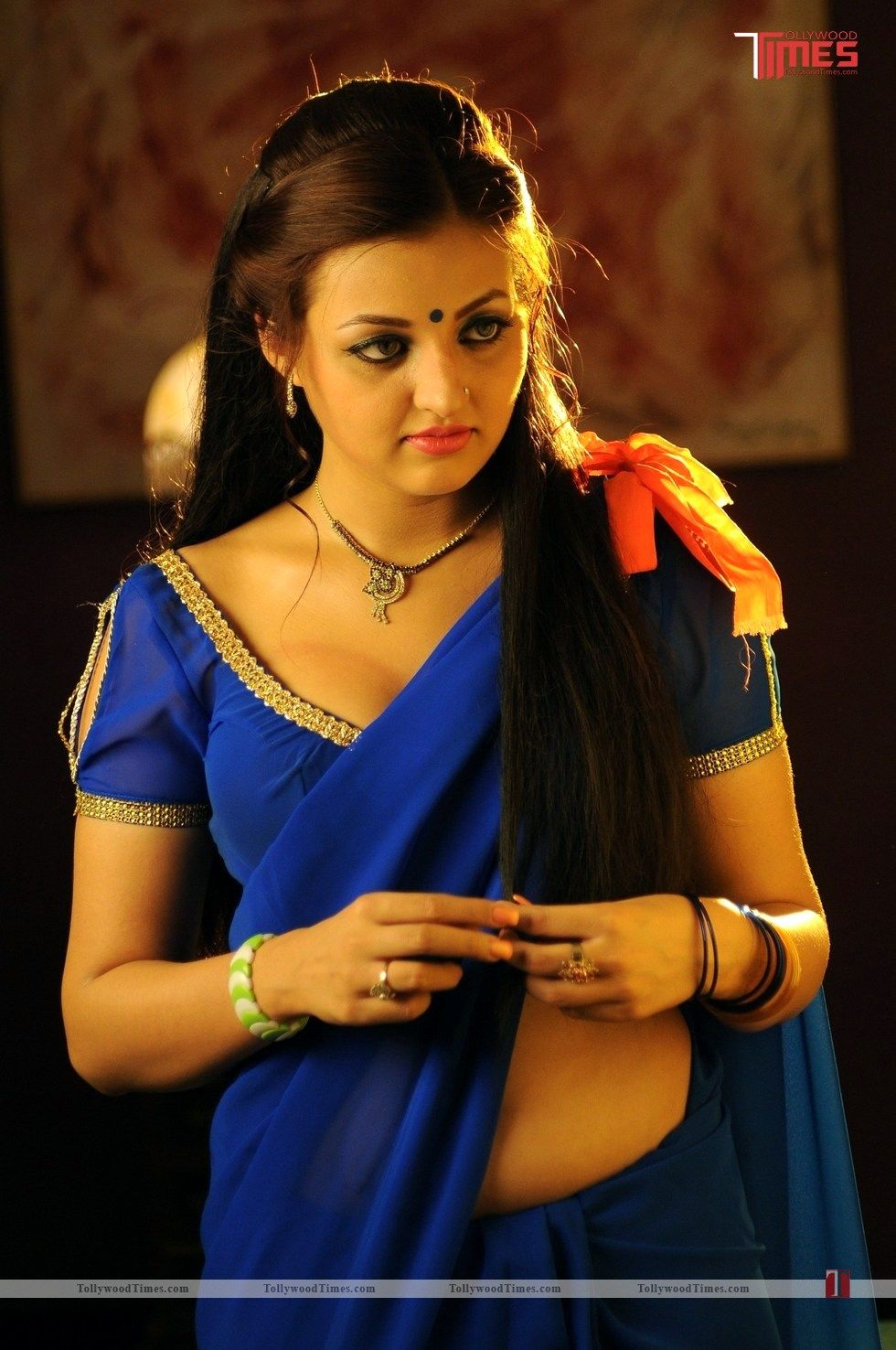 Devdas style marchadu movie New stills:- http://www.tollywoodtimes.com/en/album/fullphoto/5dmn129zk0/91907