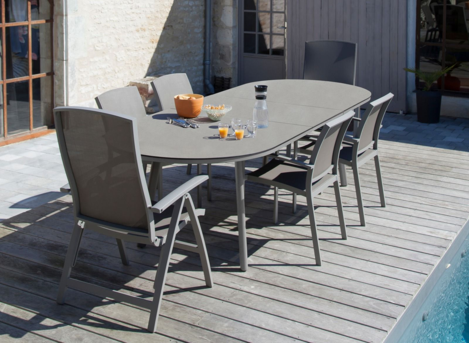 Salon de jardin en résine tressée 8 fauteuils Chocolat