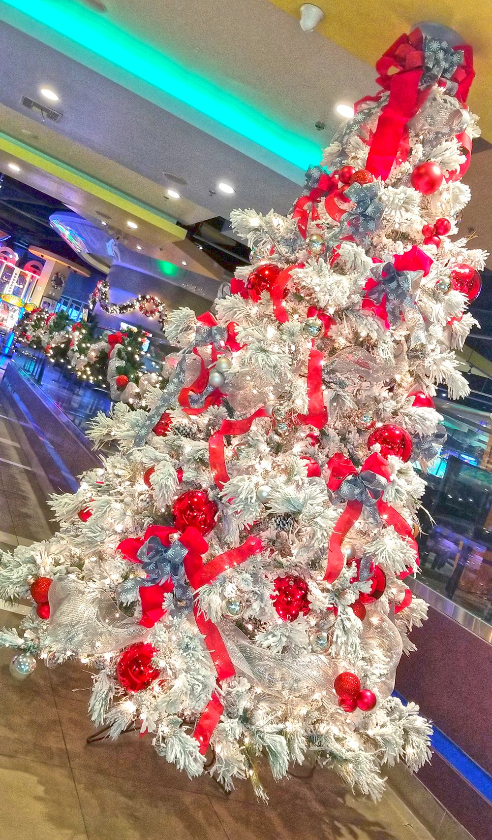 Private Events Book Early Our Holiday Reservations Go Fast E Mail Info Xlanesla Com Or Speak To A Manager On Duty Holiday Christmas Wreaths Holiday Decor