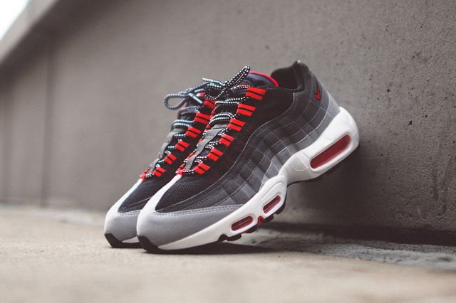 47e4a6dd0c2 NIKE AIR MAX 95 (CHILLING RED)