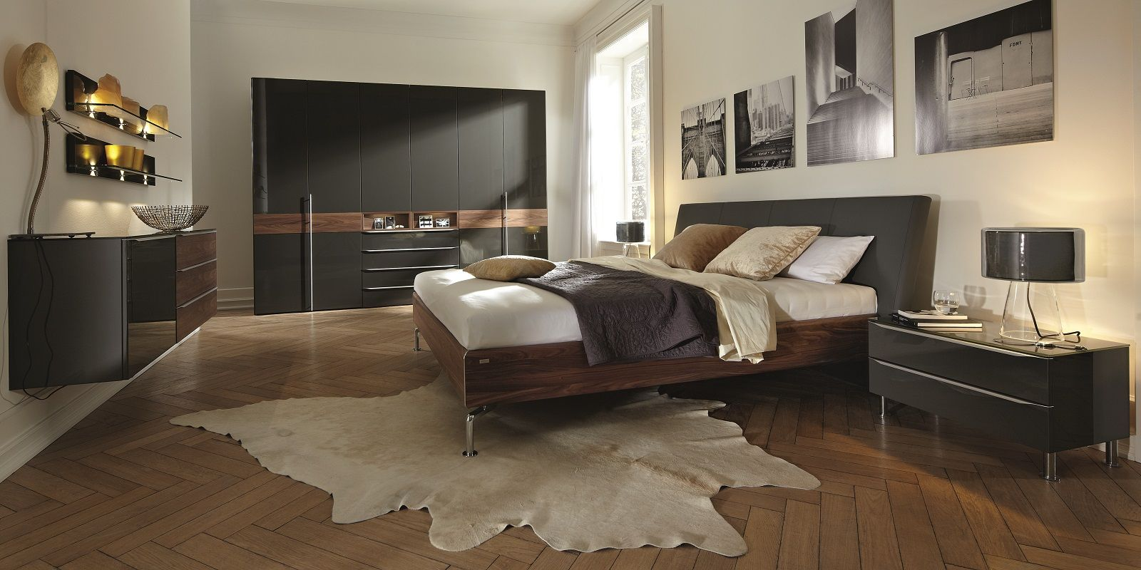 Hulsta Metis Plus Bedroom in glossy grey lacquer with