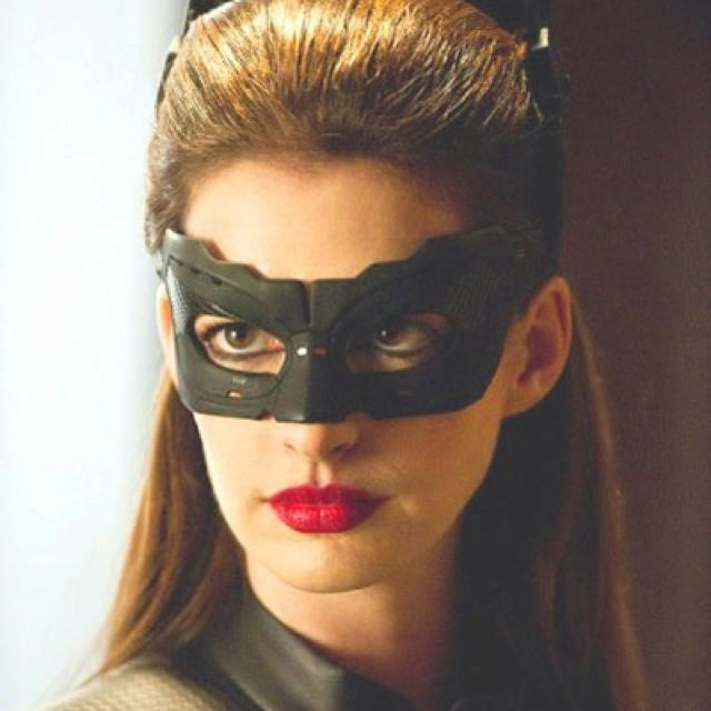 My New Makeup Inspiration For Fall Anne Hathaway Catwoman