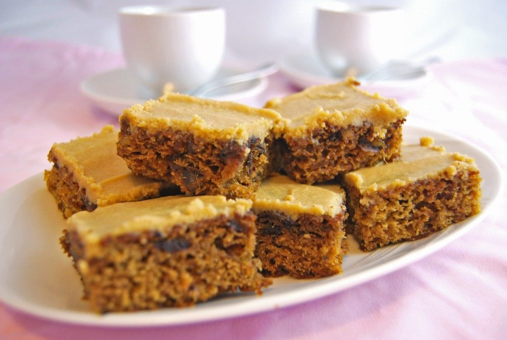 sticky toffee tray bake 1 great british bake off foodie