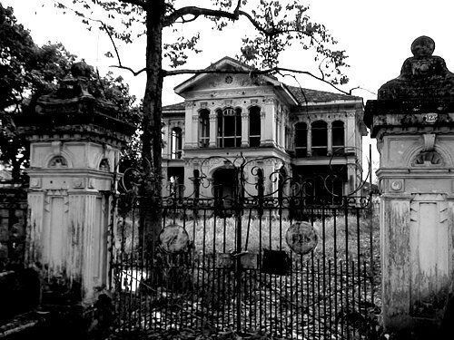 Creepy Old Abandoned Mansions
